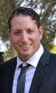 """אריאל הדר, מנהל אזורי תחום IoT, ישראל, ספרד, פורטוגל ורוסיה, PTC/ThingWorx  אריאל מוביל את הפעילות העסקית בתחום ה IoT, הכוללת פיתוח מערכות IoT ו-Machine Learning , בפעילות עם חברות Enterprise & SMB לצד הקמה וניהול מערך שותפים עסקיים במגוון פרופילים. בוגר Executive MBA מאוניברסיטת חיפה ו-BA במנע""""ס ומערכות מידע מרופין. בעל 17 שנות ניסיון בתוכנה בתפקידי ניהול, פיתוח-עסקי, שיווק ומכירות והכרות מעמיקה עם השוק הישראלי והבינלאומי במגזרים שונים. יזם וניהל בעבר חברת אינטרנט שעסקה בתחמי B2C לצד תפקידי ייעוץ, ניהול ומכירות נוספים בהייטק הישראלי. משמש כמרצה בפורומים שונים ובאקדמיה."""
