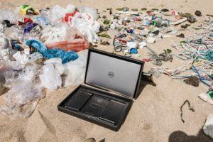 Dell Ocean Plastics